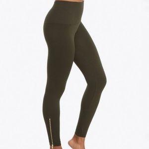 Spanx STAR Side Zip Leggings in Olive / Brown - XL